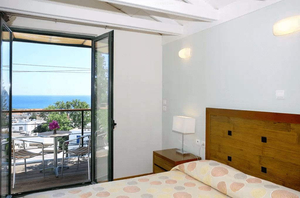 Comfortable Apartment with Sea View Bedroom