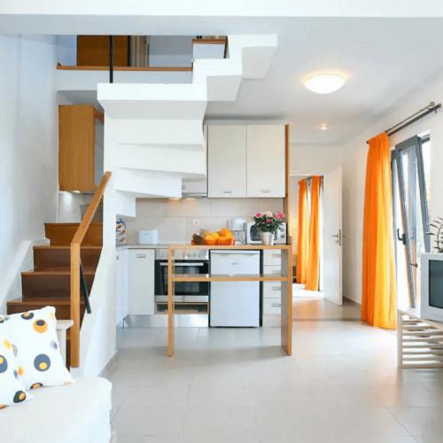 Large Apartment Kitchen